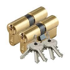 Installation de cylindres avec la même clé.