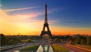 Intervention de nuit pour une porte claquée à Paris