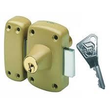 Pose ou remplacement de verrou sécurité.